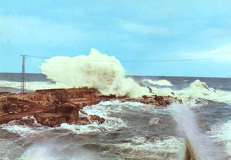 El día 6 de enero de 1958 tuvo lugar un trágico suceso en la entrada del puerto de Llanes